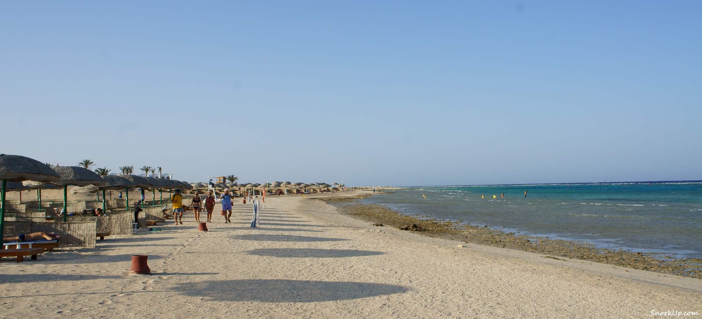 Пляж Gorgonia Beach Resort — вид с южной стороны