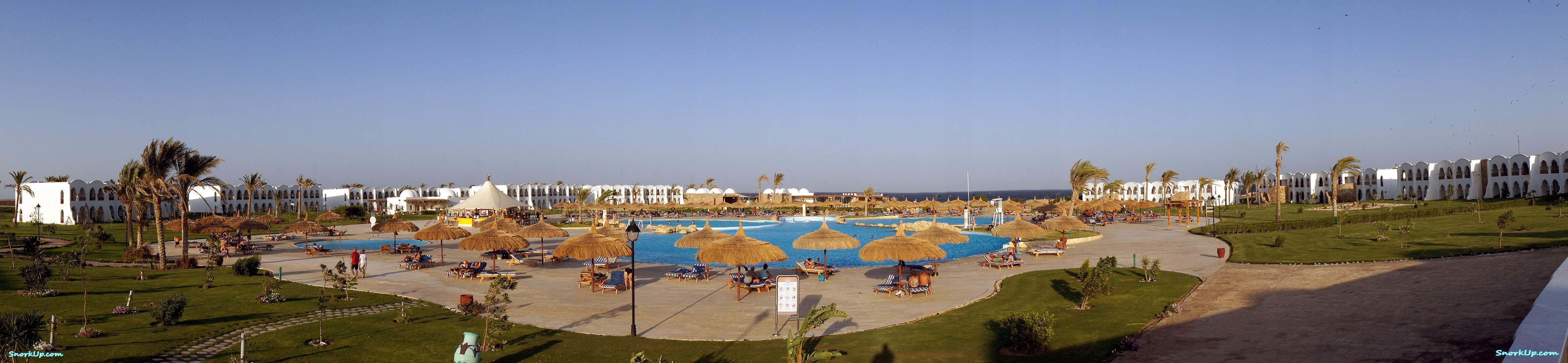 Отель Gorgonia Beach Resort — вид от ресторана в сторону моря
